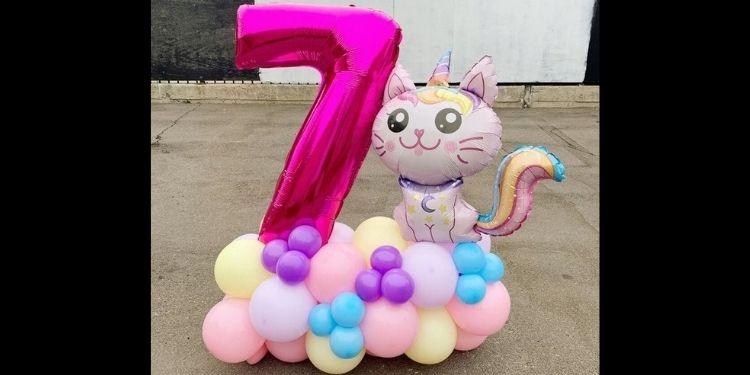 Hello Kitty Numeric Balloon Bouquet