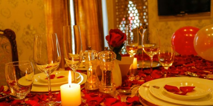 Private candlelight lunch with your loved ones.