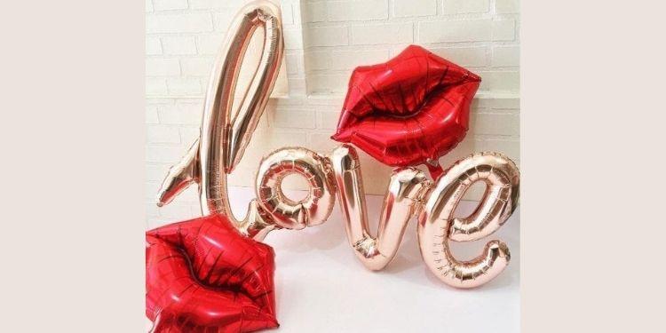 Love kiss Balloon bouquet