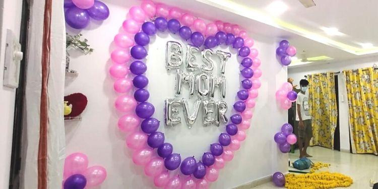 Beautiful Best Mom Ever Balloon Decor