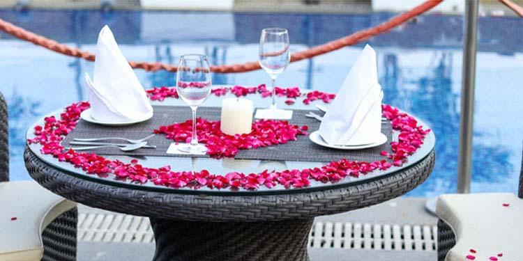 V-Day Scenic Poolside Dining