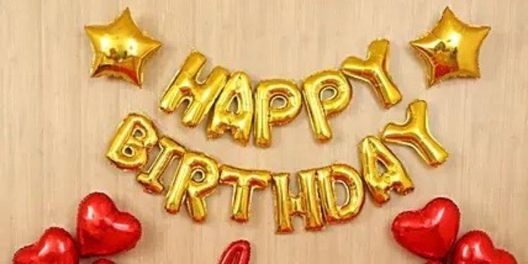 Golden Themed Birthday Balloon Décor