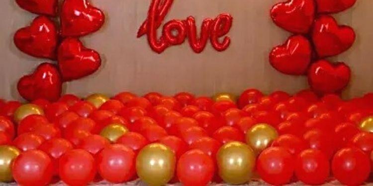 Golden Themed Birthday Magical Balloon Décor