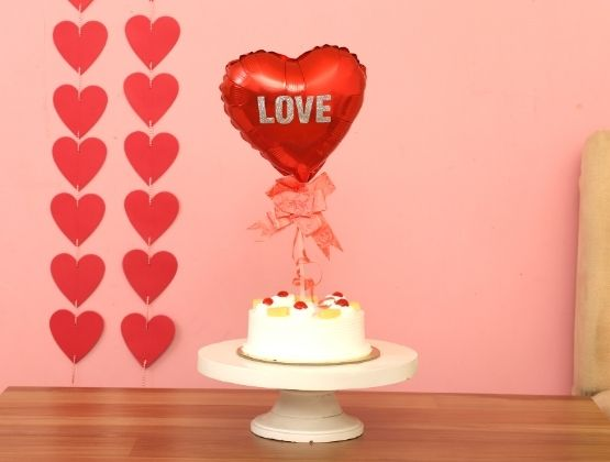 Heart-shaped Love Balloon and Cake