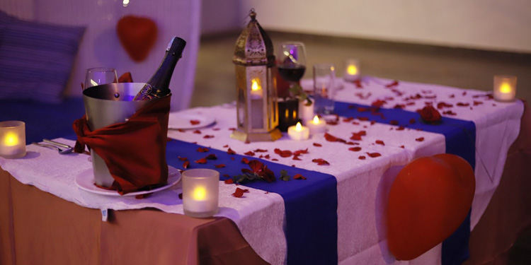 candle light dinner in Bangalore with your beloved by the poolside