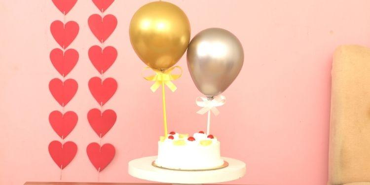 Pineapple Cake & Chrome Balloons Half Kg Eggless