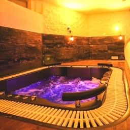 Private Jacuzzi Session