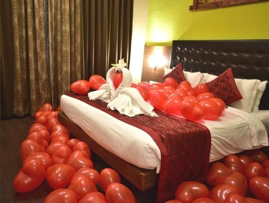 V-Day Romantic Stay & Dinner - Thane