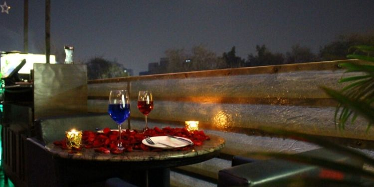 Have a Romantic dinner with your beloved and make the most of it.