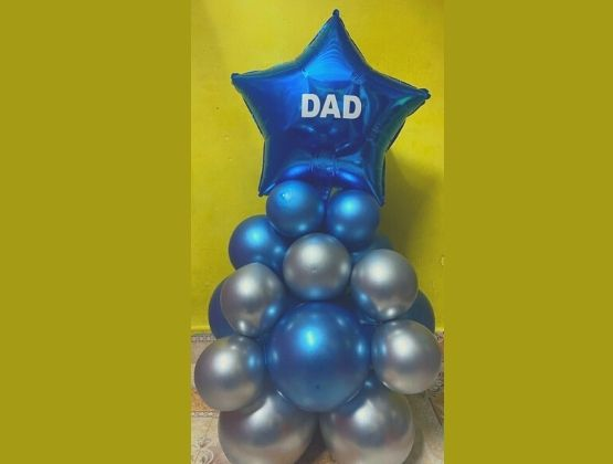 A dazzling surprise from your side for your loving father. This classy dad balloon bouquet is a perfect representation for the love and respect you have for your father.