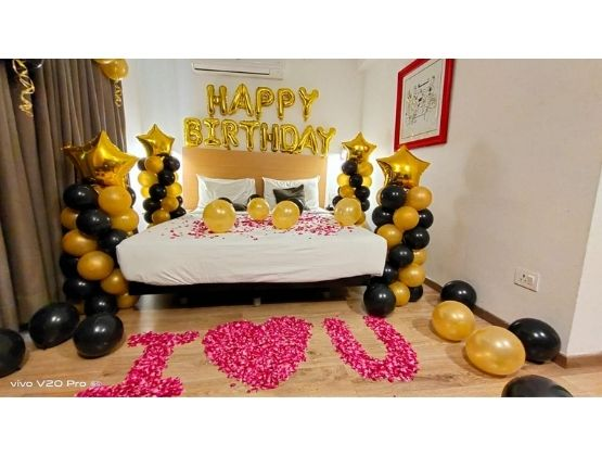 Black and Golden Birthday decor