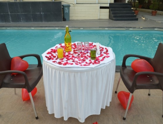 Charming Poolside Dining