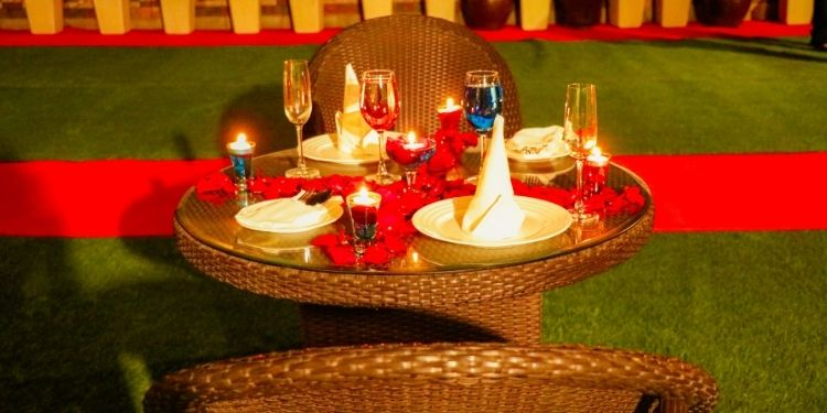 Charming Rooftop Candlelight Dinner in Delhi