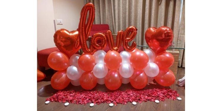 Lovestuck Anniversary Decor
