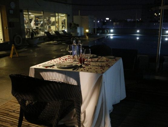If dining around water soothes you then we have this awesome