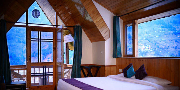 Enjoy the weekend with utmost fun along with your partner then head on to Himachal's Silver valley - Manali.