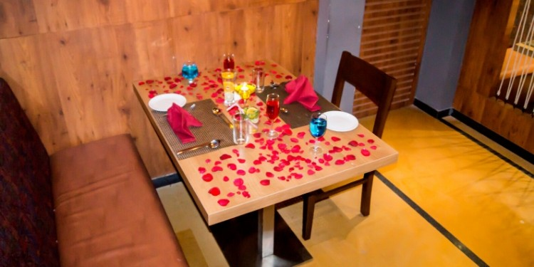Enjoy unlimited buffet at a romantic splendor setting of candles, flowers and balloons.
