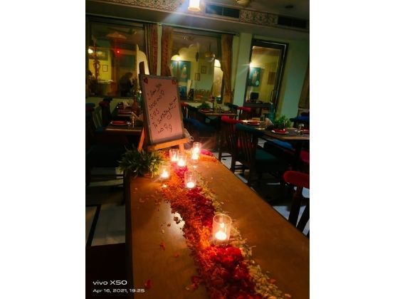 Enjoy romantic candlelight on a colorful decorative table