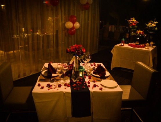 Once you are there you will be escorted to your table where you will feel a romantic event has come up to you