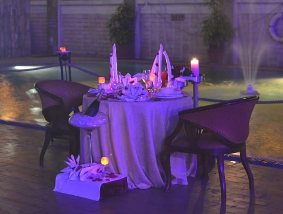 Tranquil Poolside Dinner